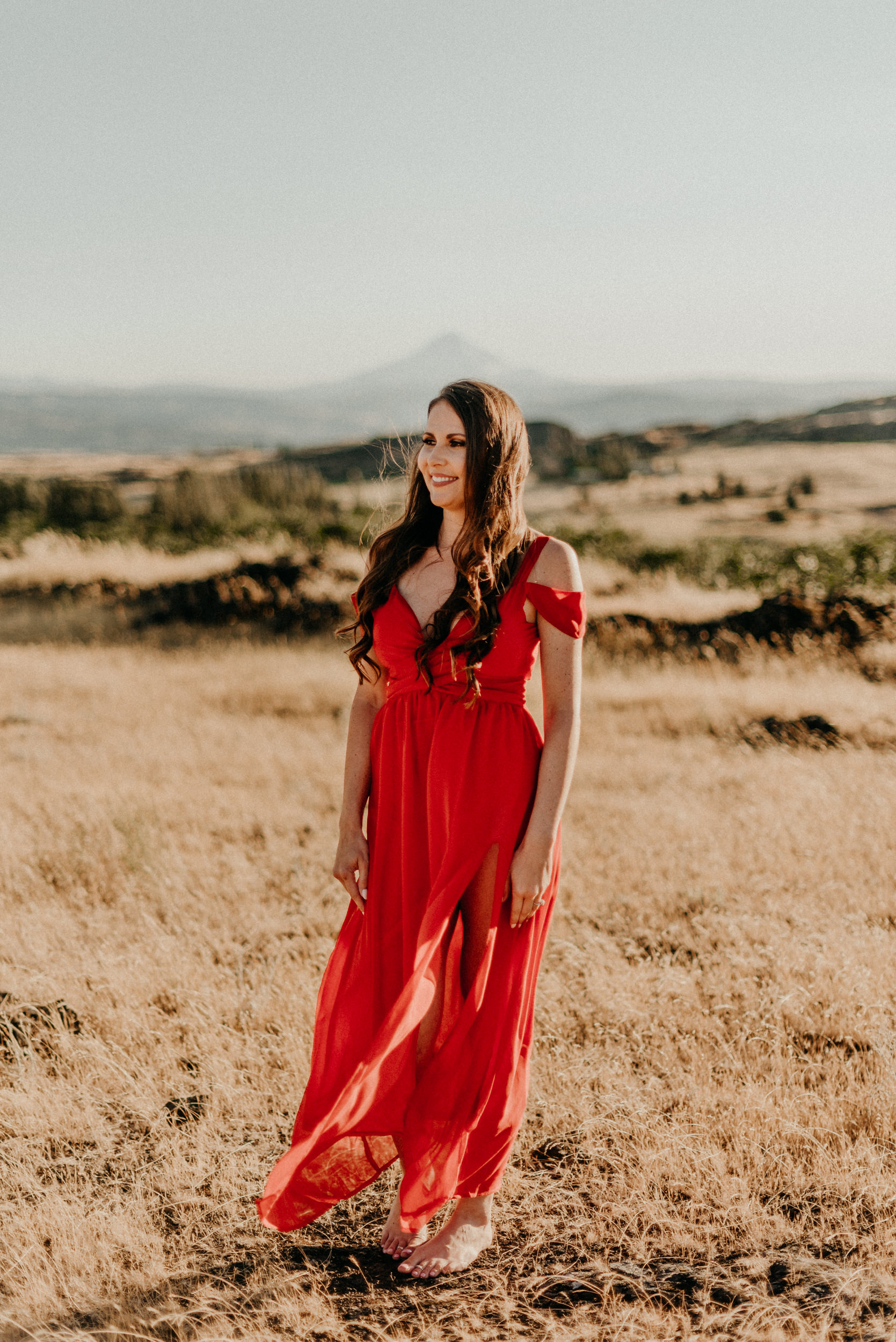 4Engagement-session-horsethief-butte-mt-hood.jpg