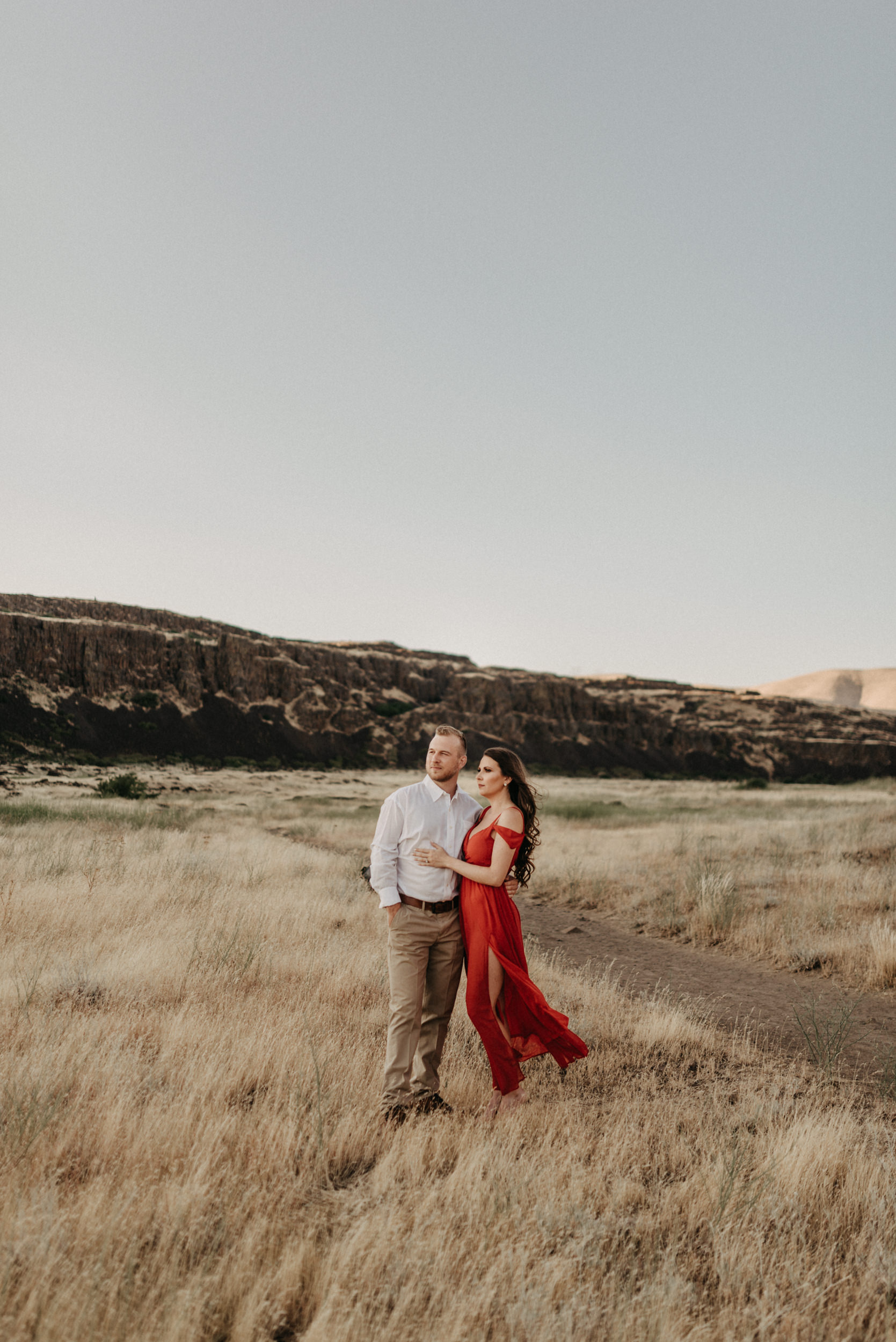 34Engagement-session-horsethief-butte-mt-hood.jpg