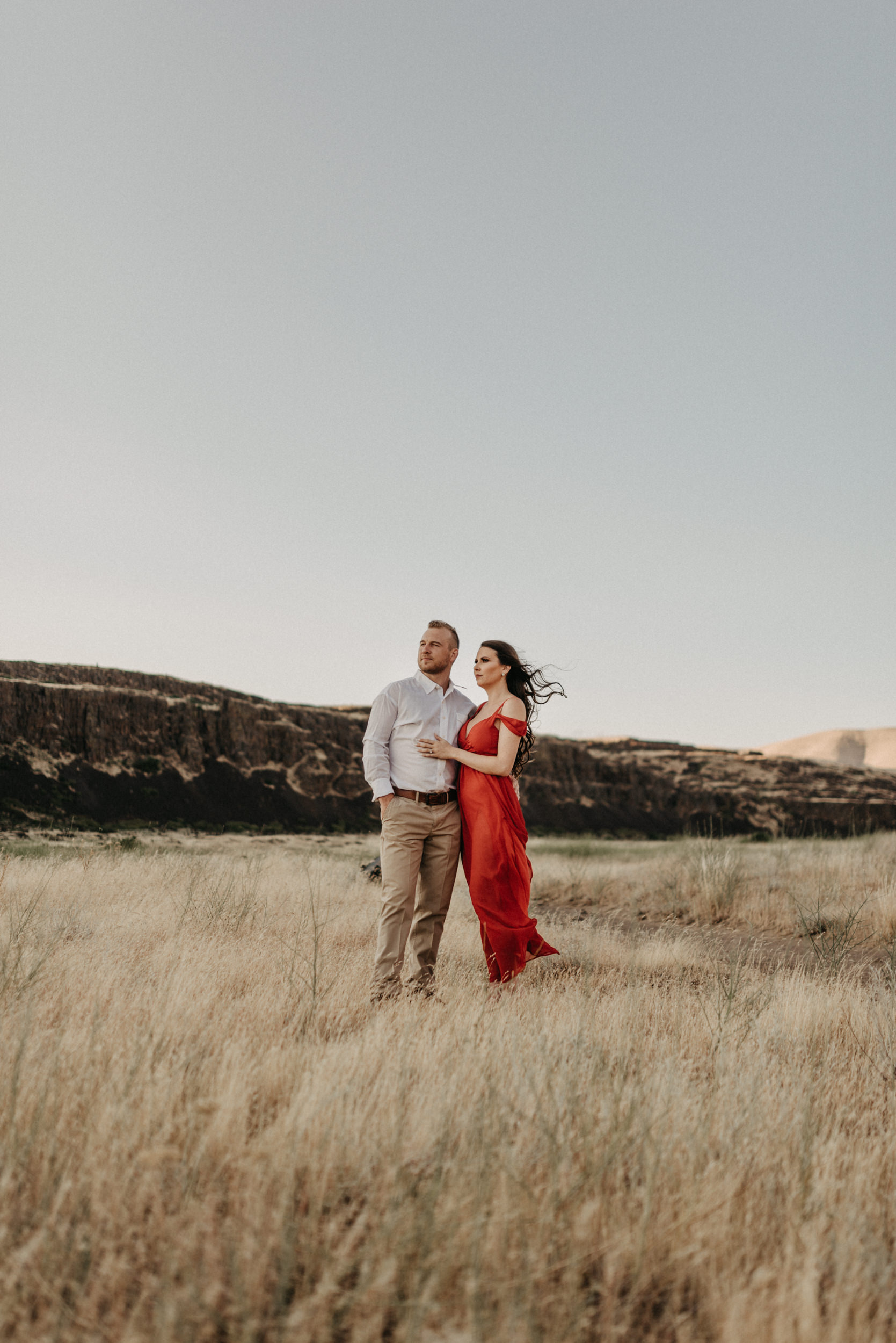 35Engagement-session-horsethief-butte-mt-hood.jpg