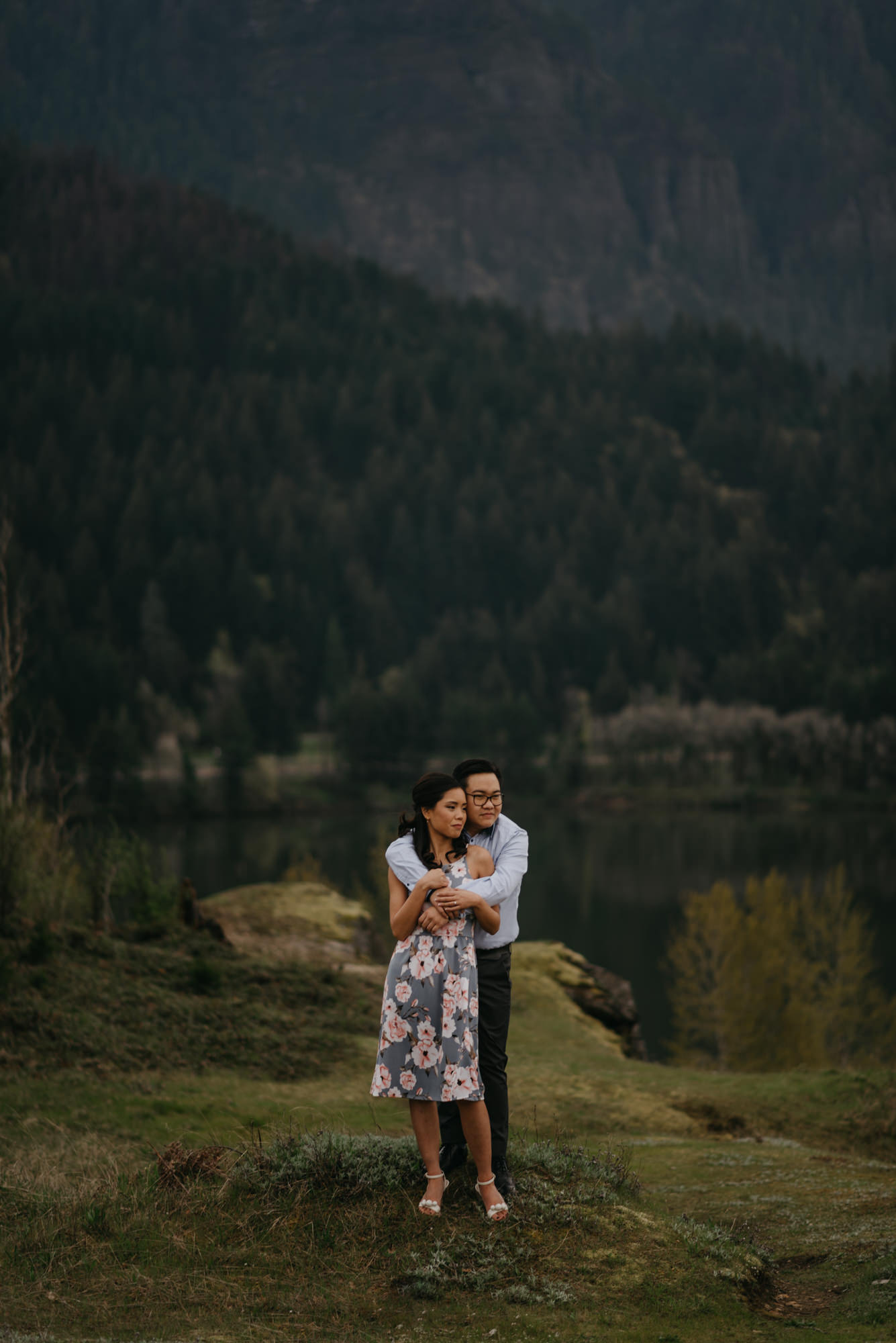 cascade-locks-engagement-cloudy-fun-sunset-4454.jpg