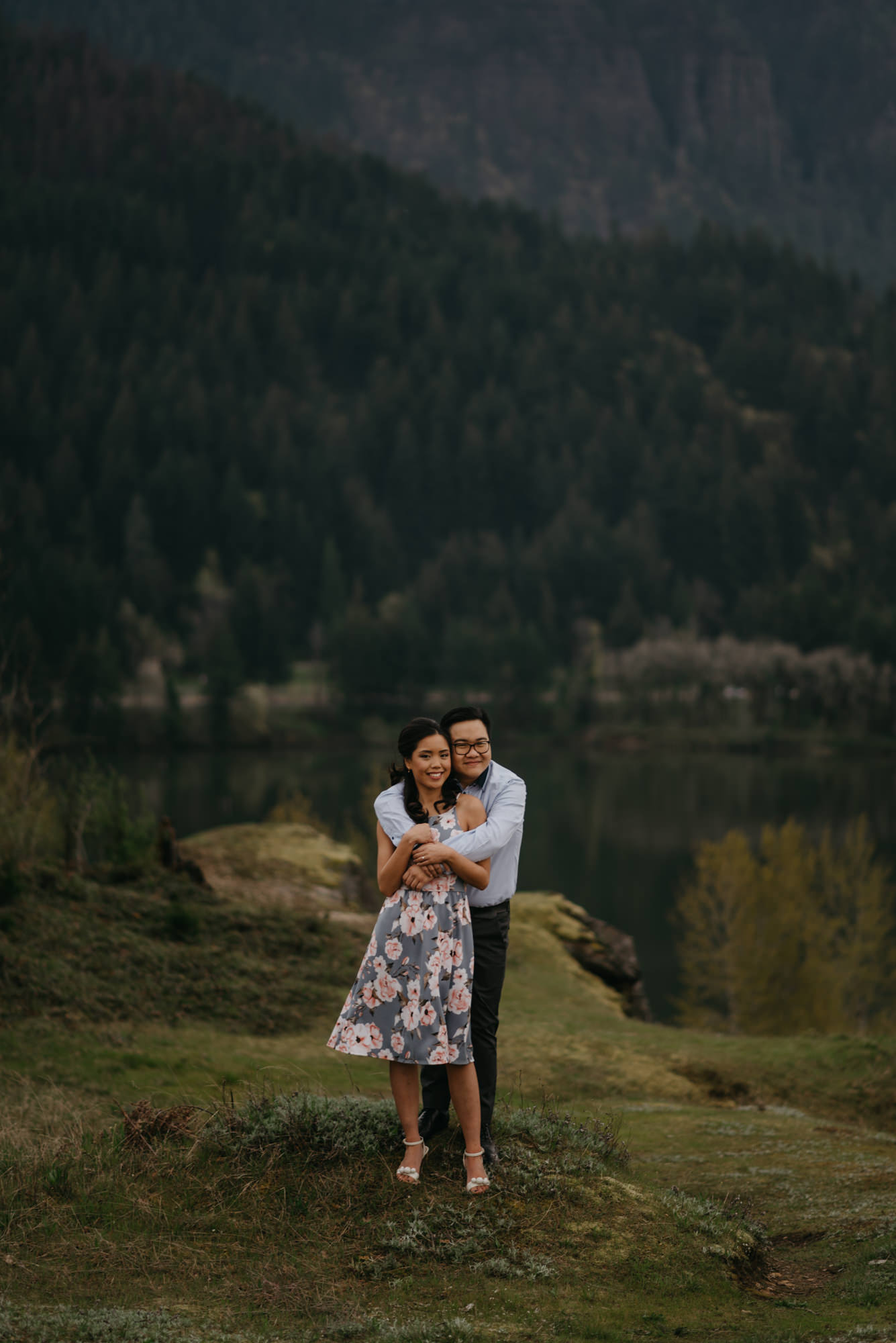 cascade-locks-engagement-cloudy-fun-sunset-4468.jpg