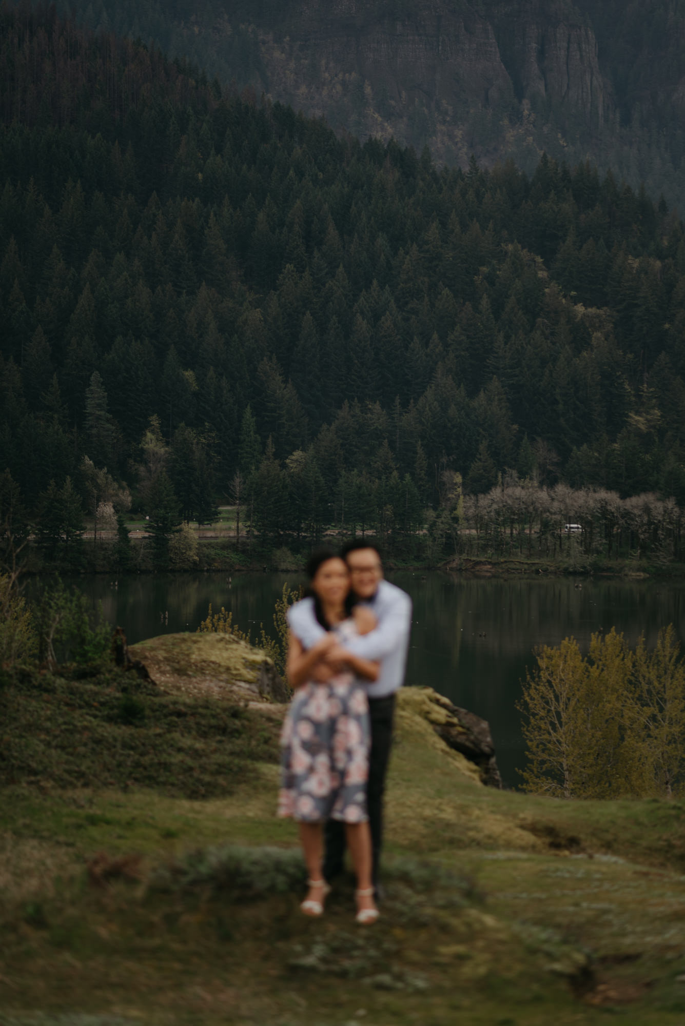 cascade-locks-engagement-cloudy-fun-sunset-4472.jpg