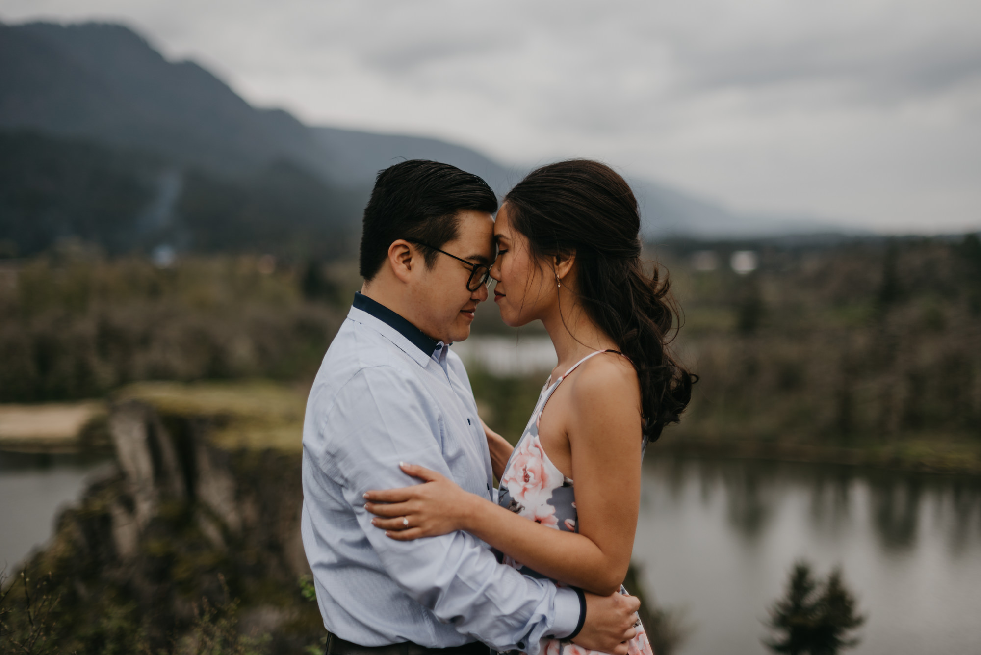 cascade-locks-engagement-cloudy-fun-sunset-4556.jpg