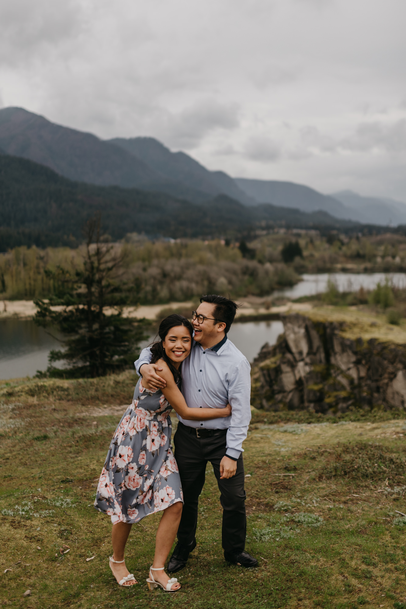 cascade-locks-engagement-cloudy-fun-sunset-4892.jpg