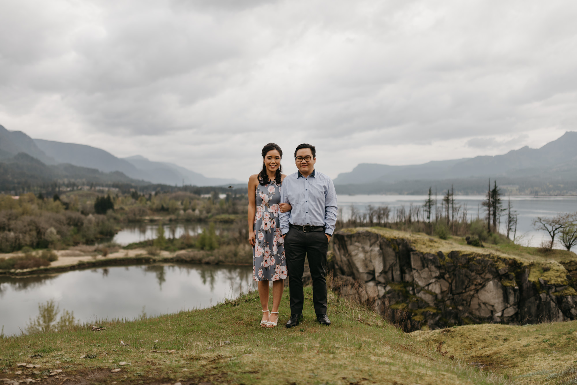 cascade-locks-engagement-session-cloudy-fun-4311.jpg