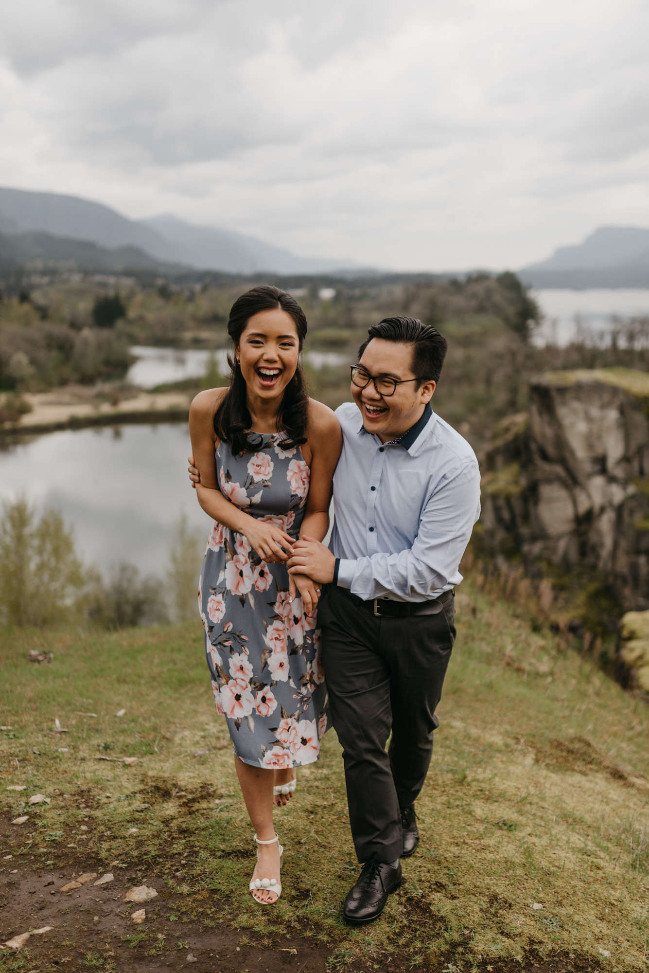 cascade-locks-engagement-session-cloudy-fun-4361.jpg
