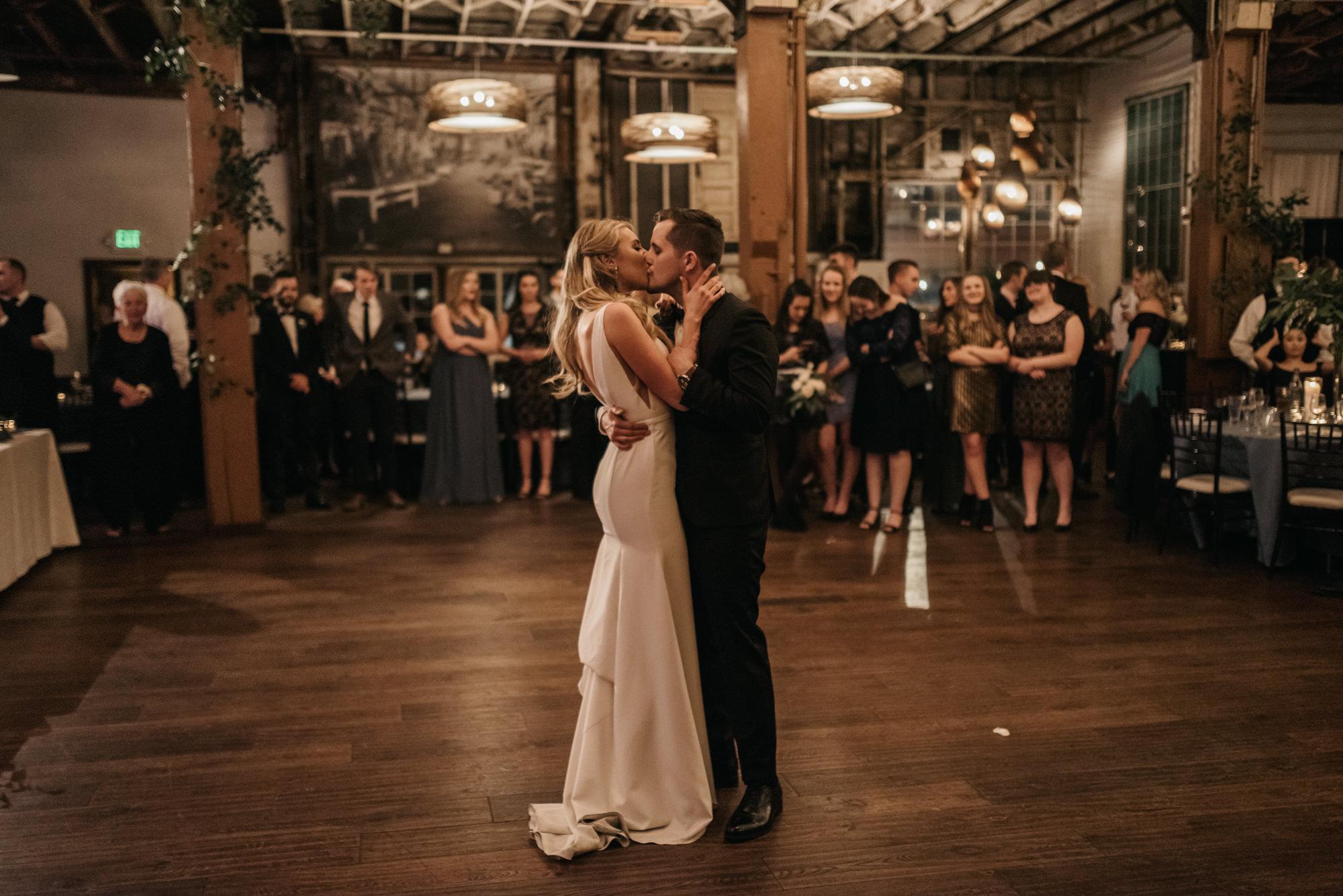 seattle-wedding-sodo-park-photographer-portland-4016-17.jpg