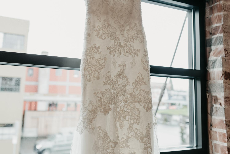 9-portland-wedding-photographer-getting-ready-leftbank-annex-4746.jpg