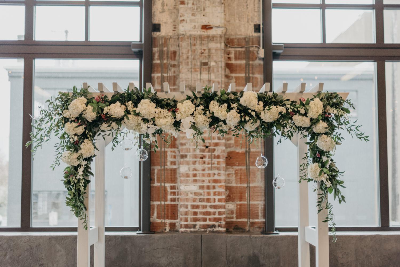 17-portland-wedding-photographer-getting-ready-leftbank-annex-0450.jpg