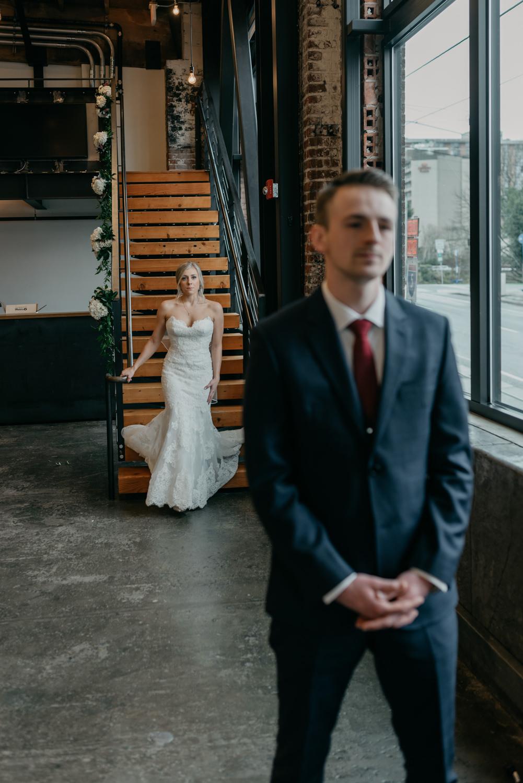 38-portland-wedding-photographer-first-look-leftbank-annex-5113.jpg