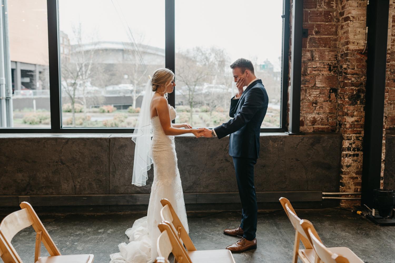 47-portland-wedding-photographer-first-look-leftbank-annex-5132.jpg