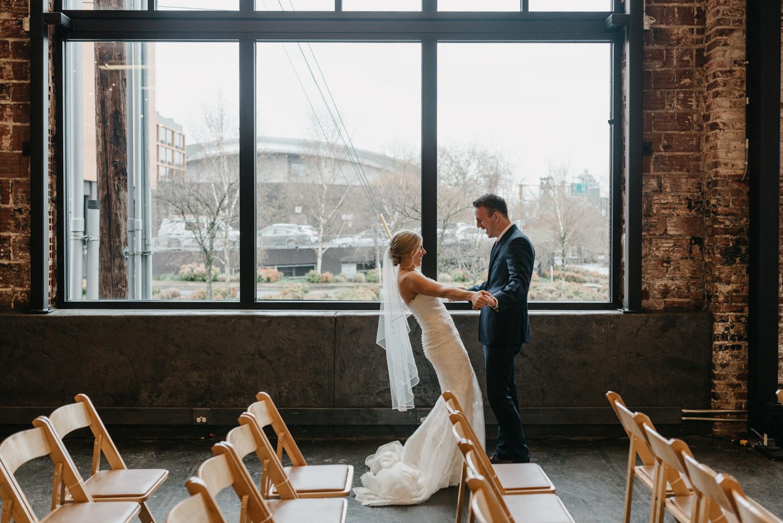 52-portland-wedding-photographer-first-look-leftbank-annex-5149.jpg