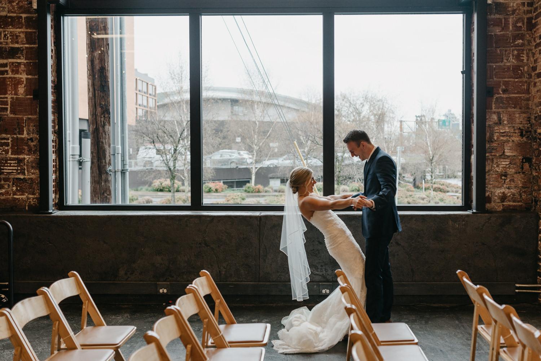 53-portland-wedding-photographer-first-look-leftbank-annex-5150.jpg