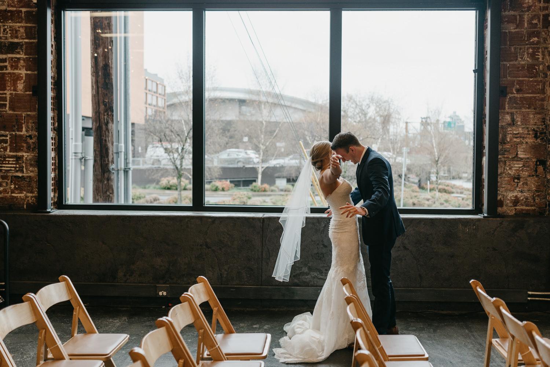 54-portland-wedding-photographer-first-look-leftbank-annex-5151.jpg