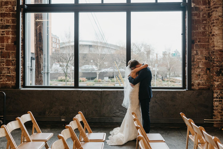 55-portland-wedding-photographer-first-look-leftbank-annex-5156.jpg