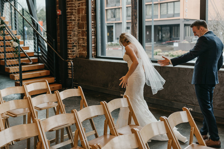 56-portland-wedding-photographer-first-look-leftbank-annex-5160.jpg