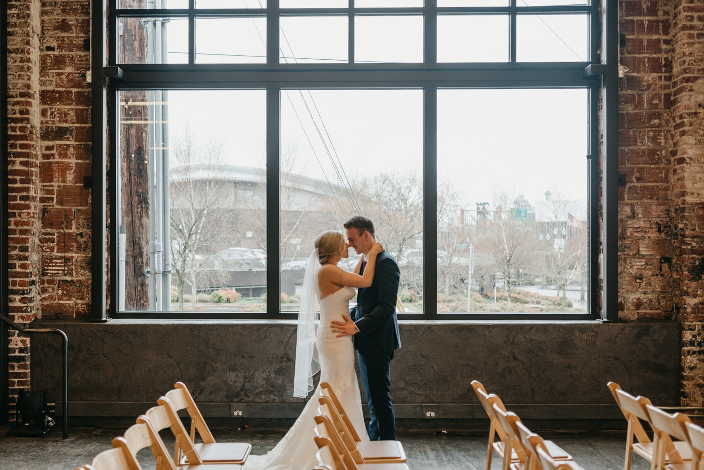 59-portland-wedding-photographer-first-look-leftbank-annex-5176.jpg