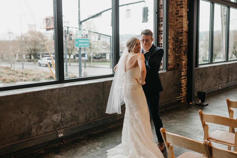 62-portland-wedding-photographer-first-look-leftbank-annex-5183.jpg
