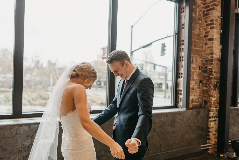 67-portland-wedding-photographer-first-look-leftbank-annex-5201.jpg