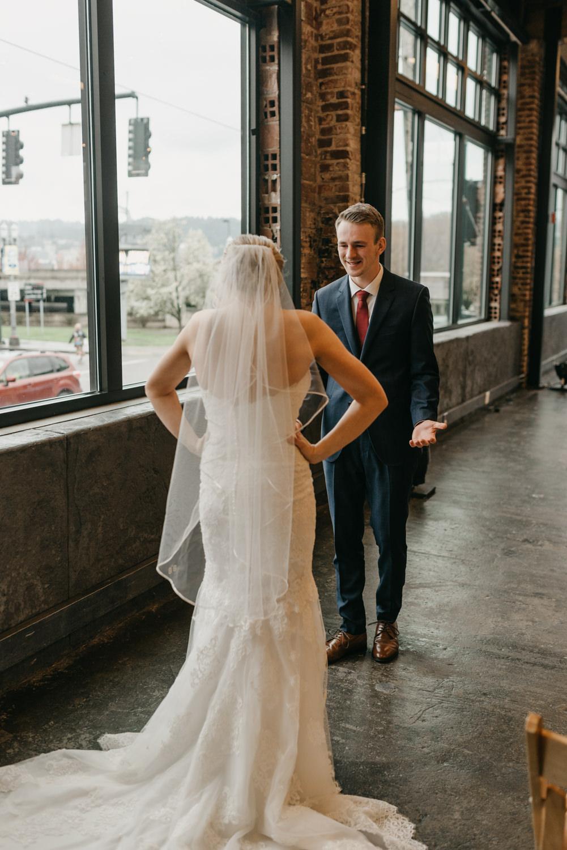 70-portland-wedding-photographer-first-look-leftbank-annex-5216.jpg
