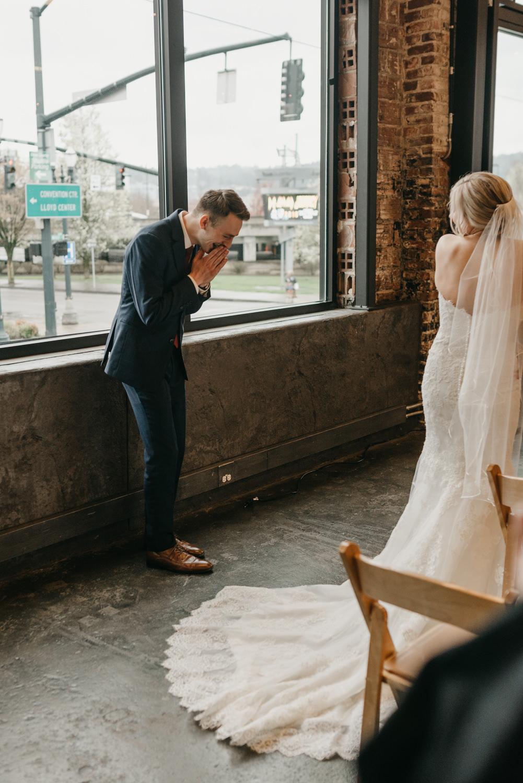 72-portland-wedding-photographer-first-look-leftbank-annex-5220.jpg
