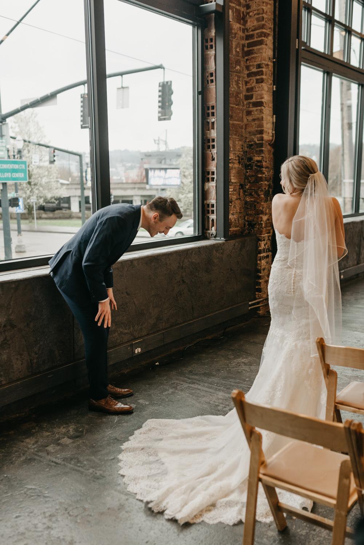 73-portland-wedding-photographer-first-look-leftbank-annex-5221.jpg