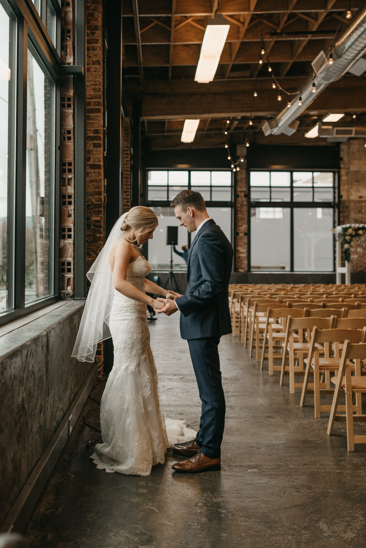 76-portland-wedding-photographer-first-look-leftbank-annex-5245.jpg