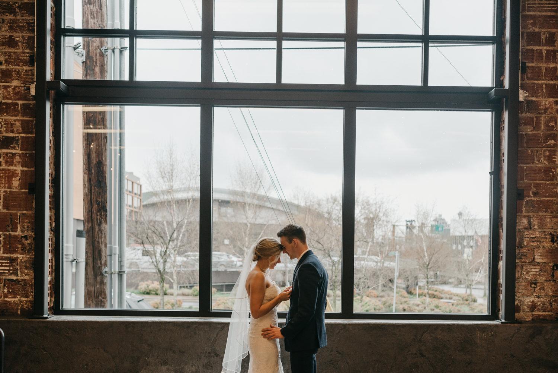 77-portland-wedding-photographer-first-look-leftbank-annex-5249.jpg