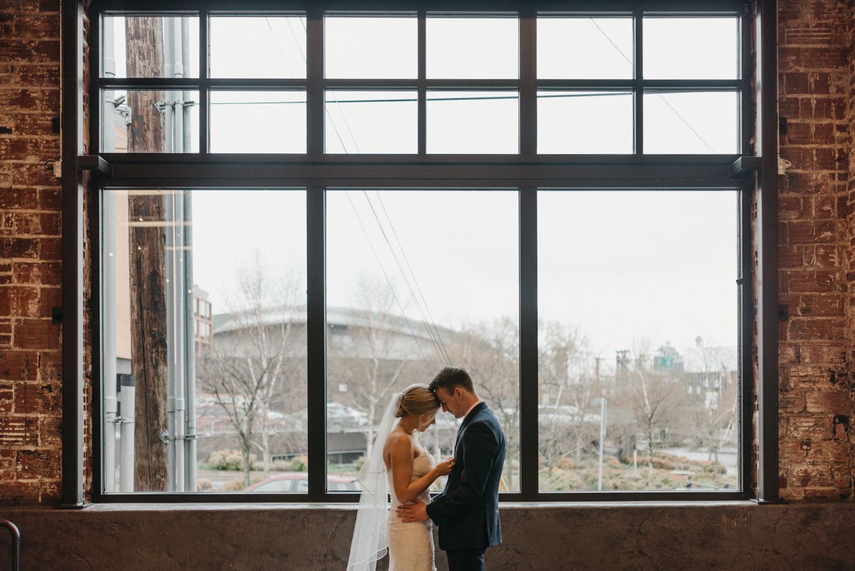 78-portland-wedding-photographer-first-look-leftbank-annex-5252.jpg