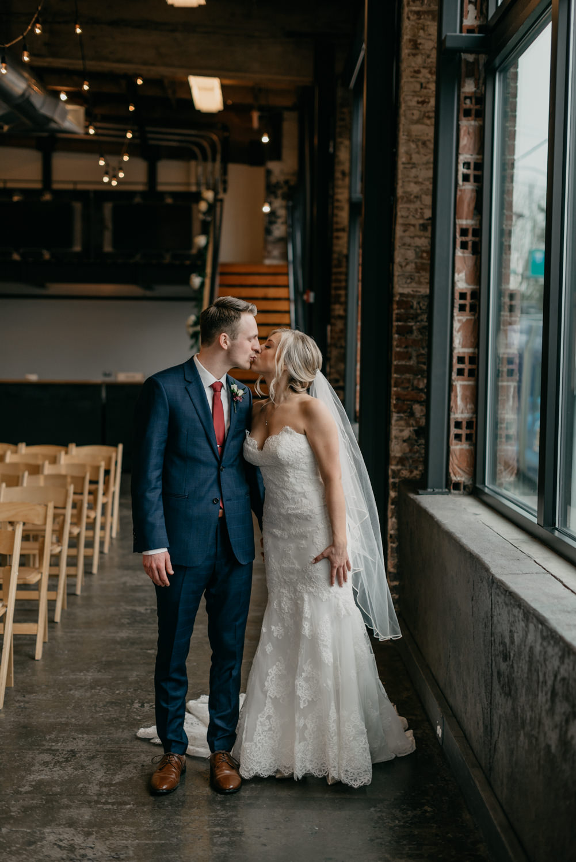 85-portland-wedding-photographer-first-look-leftbank-annex-0970.jpg