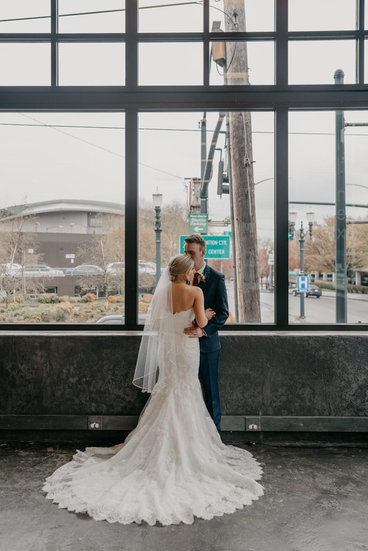 91-portland-wedding-photographer-first-look-leftbank-annex-5297.jpg
