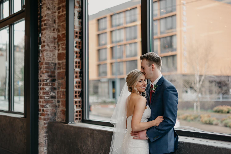 93-portland-wedding-photographer-first-look-leftbank-annex-1013.jpg