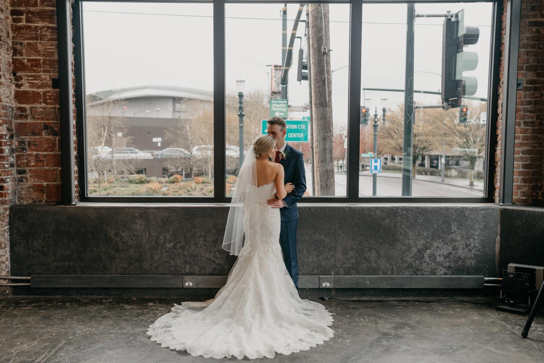 94-portland-wedding-photographer-first-look-leftbank-annex-5300.jpg