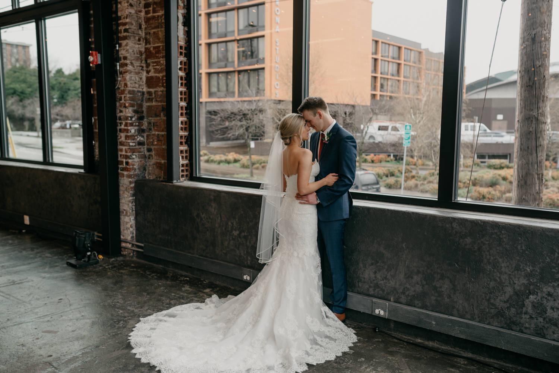 95-portland-wedding-photographer-first-look-leftbank-annex-5307.jpg
