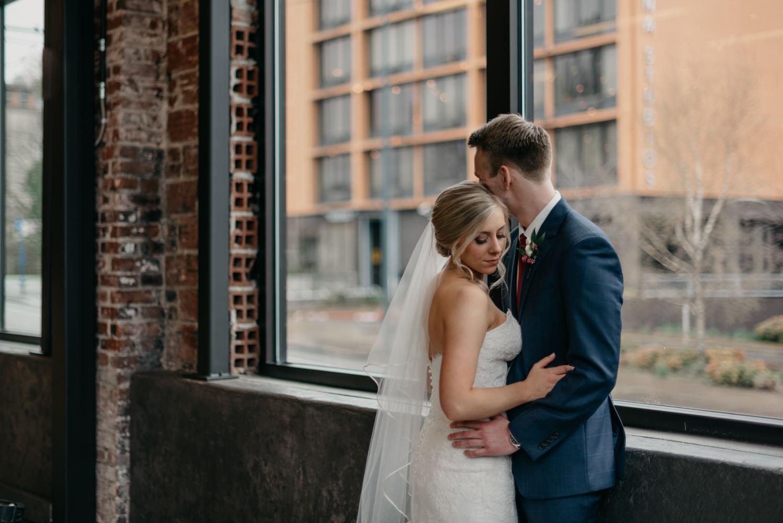 97-portland-wedding-photographer-first-look-leftbank-annex-1024.jpg