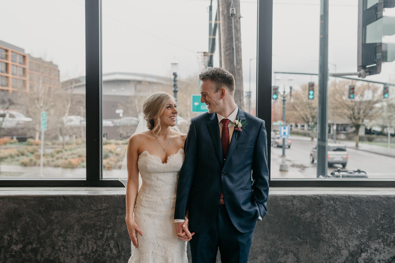 102-portland-wedding-photographer-first-look-leftbank-annex-5353.jpg