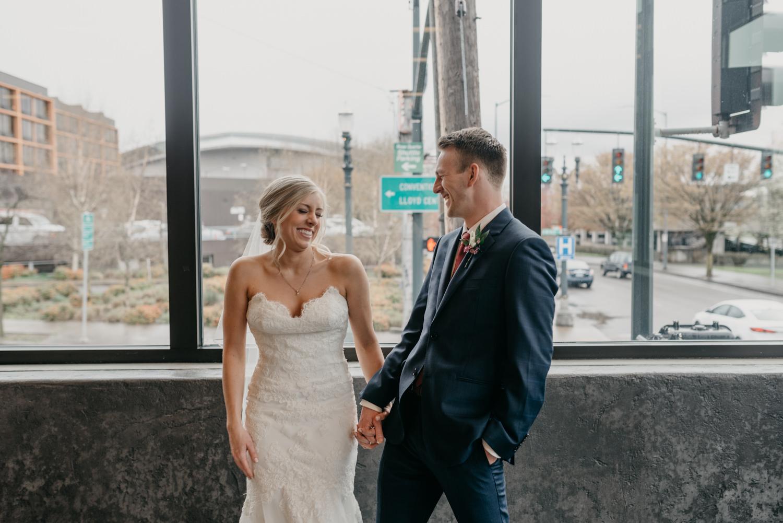 103-portland-wedding-photographer-first-look-leftbank-annex-5355.jpg