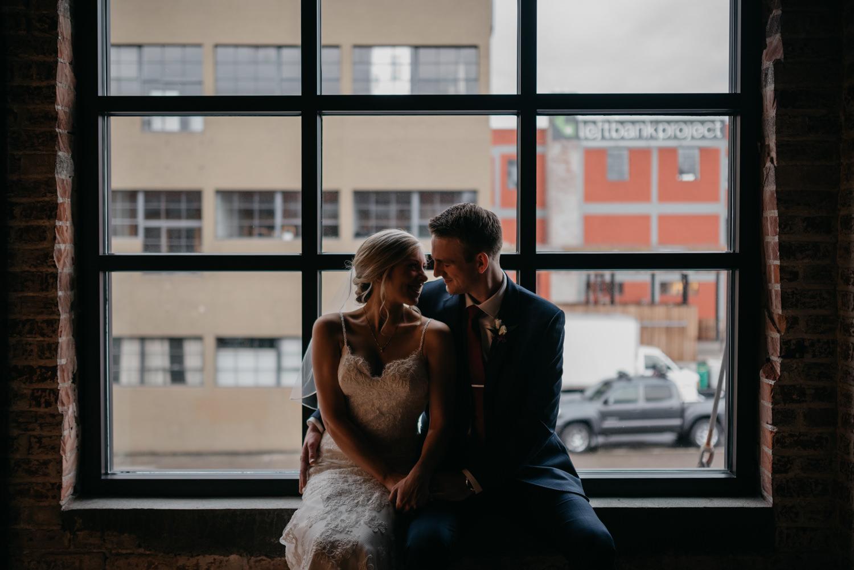113-portland-leftbank-downtown-cocktail-hour-couple-6048.jpg