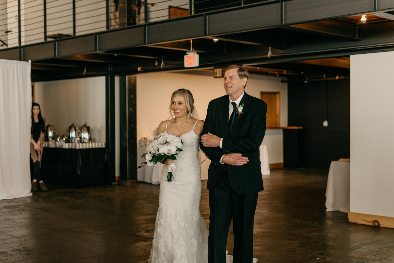 119-portland-wedding-leftbank-annex-ceremony-first-kiss-0369.jpg