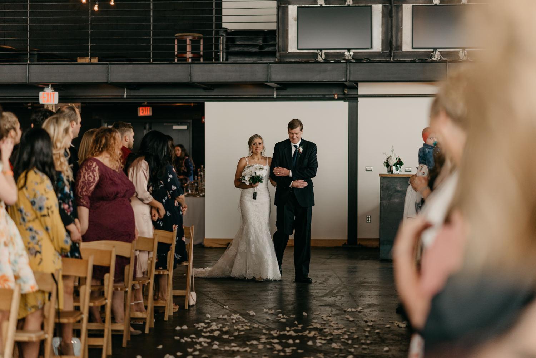 120-portland-wedding-leftbank-annex-ceremony-first-kiss-1345.jpg