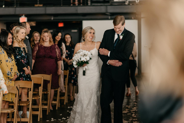 123-portland-wedding-leftbank-annex-ceremony-first-kiss-1360.jpg
