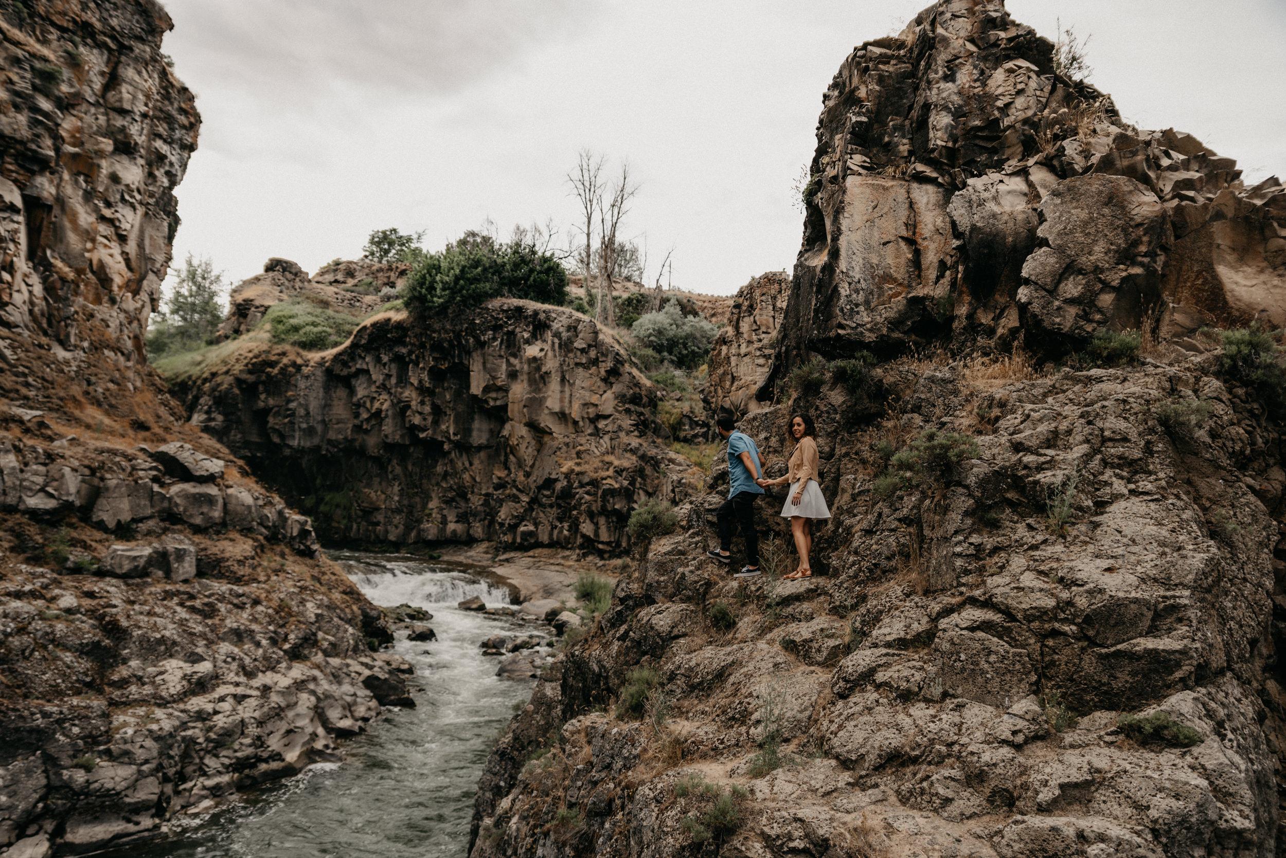 4-White-river-falls-state-park-engagement-5556.jpg