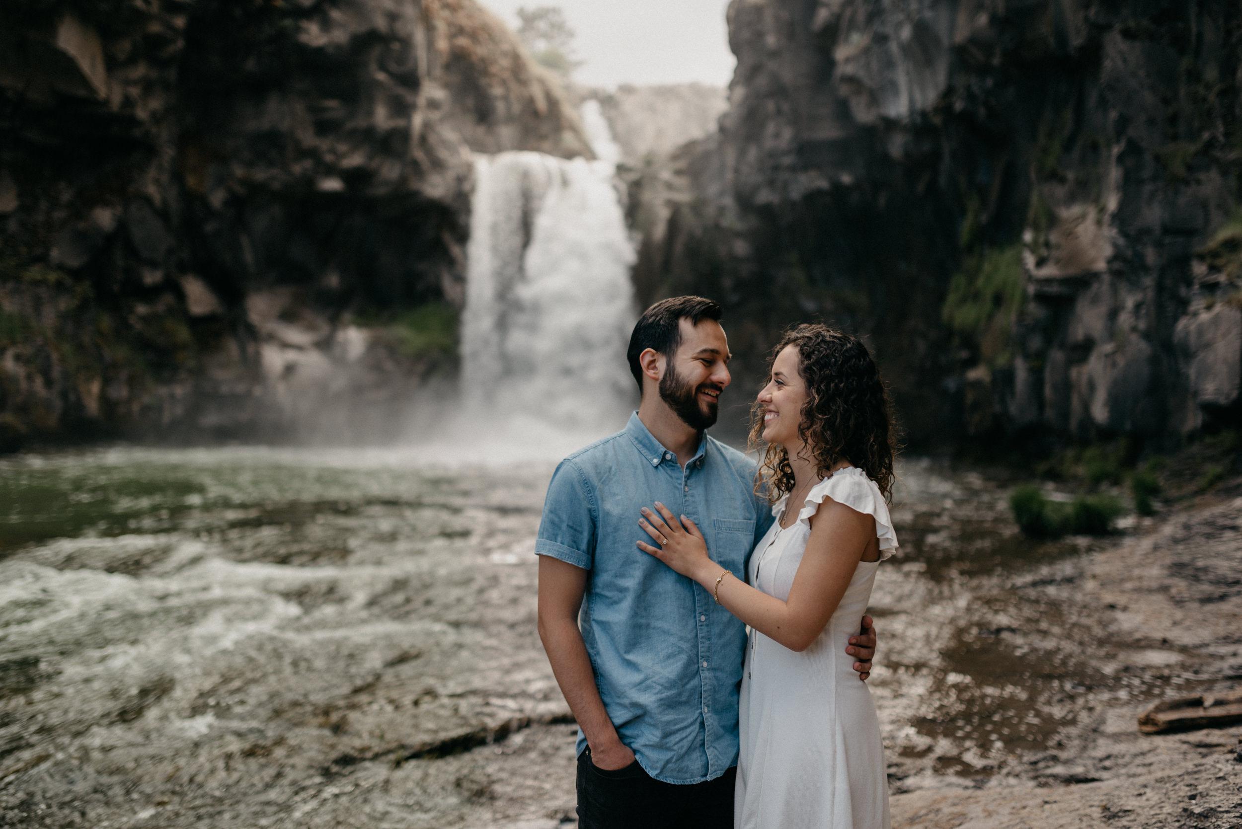 14-White-river-falls-state-park-engagement-5684.jpg