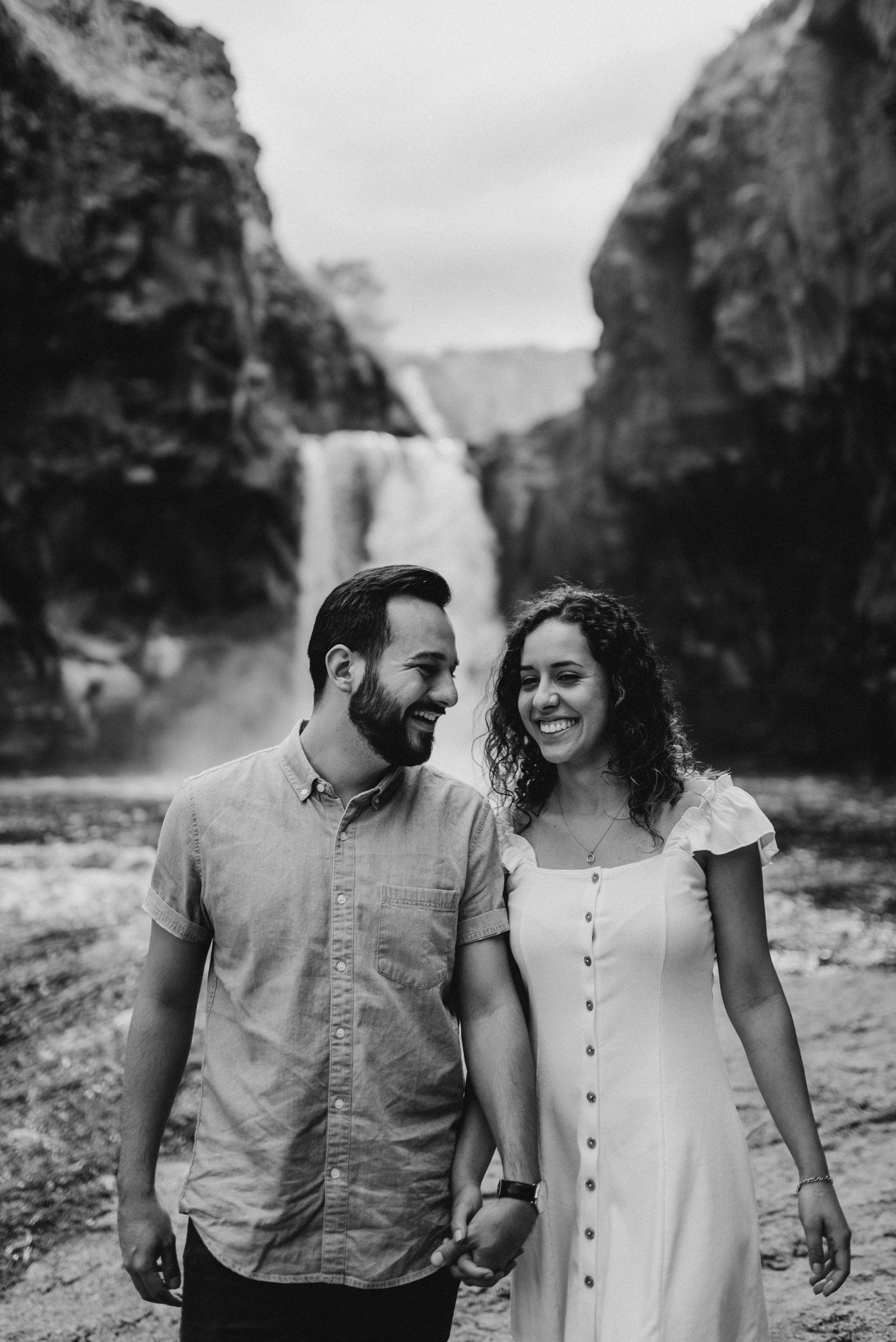 20-White-river-falls-state-park-engagement-5733.jpg