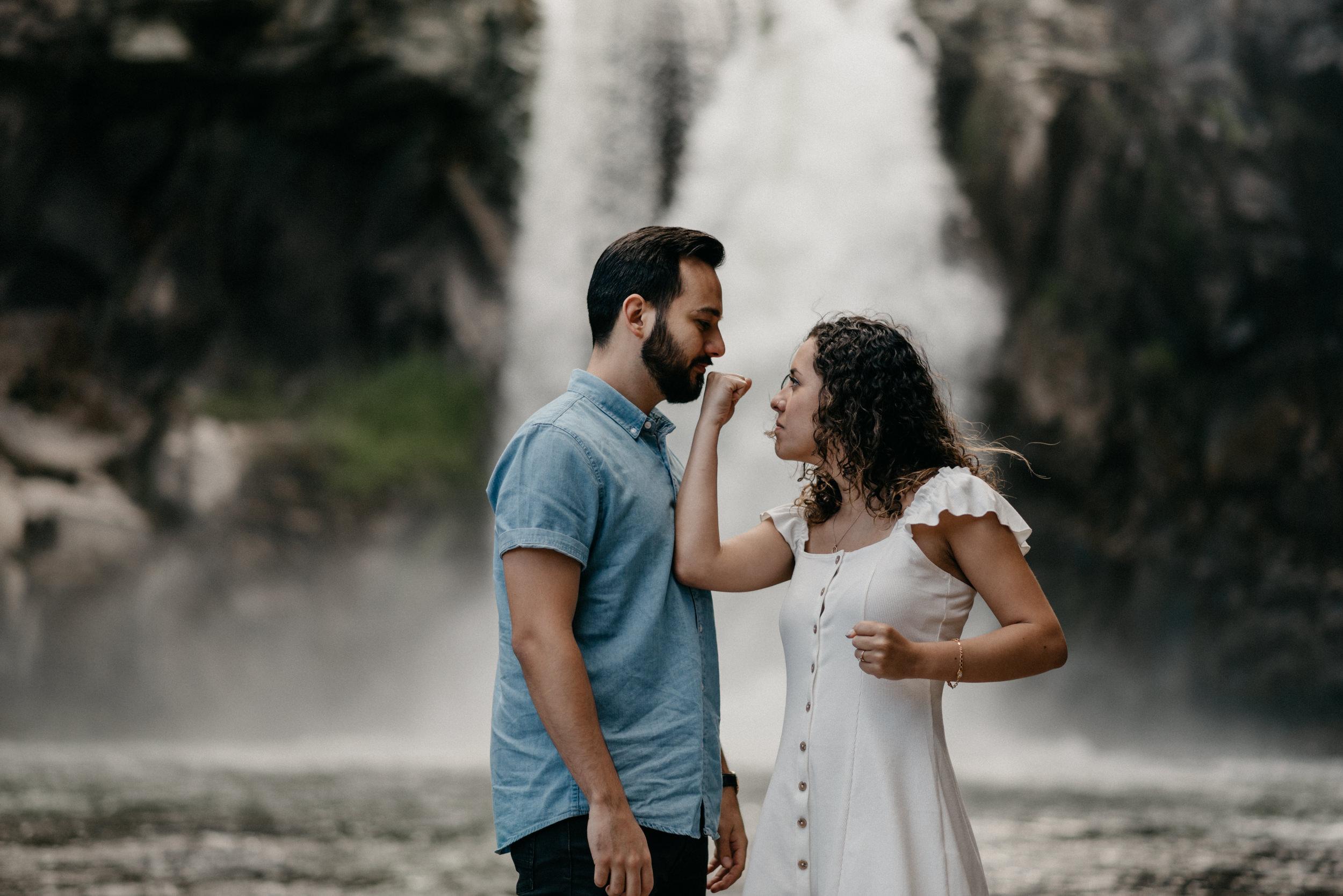 25-White-river-falls-state-park-engagement-5749.jpg