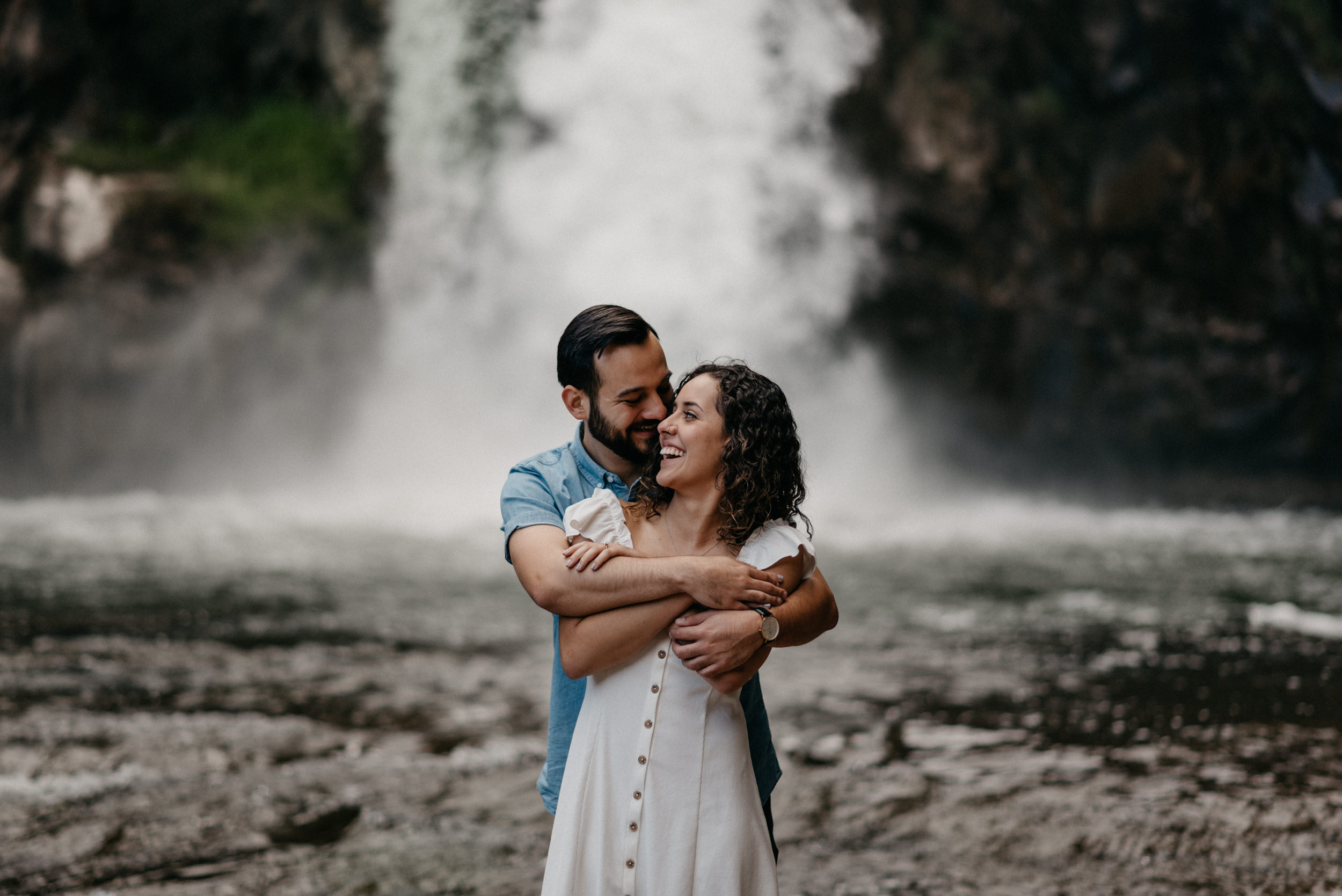 30-White-river-falls-state-park-engagement-5804.jpg