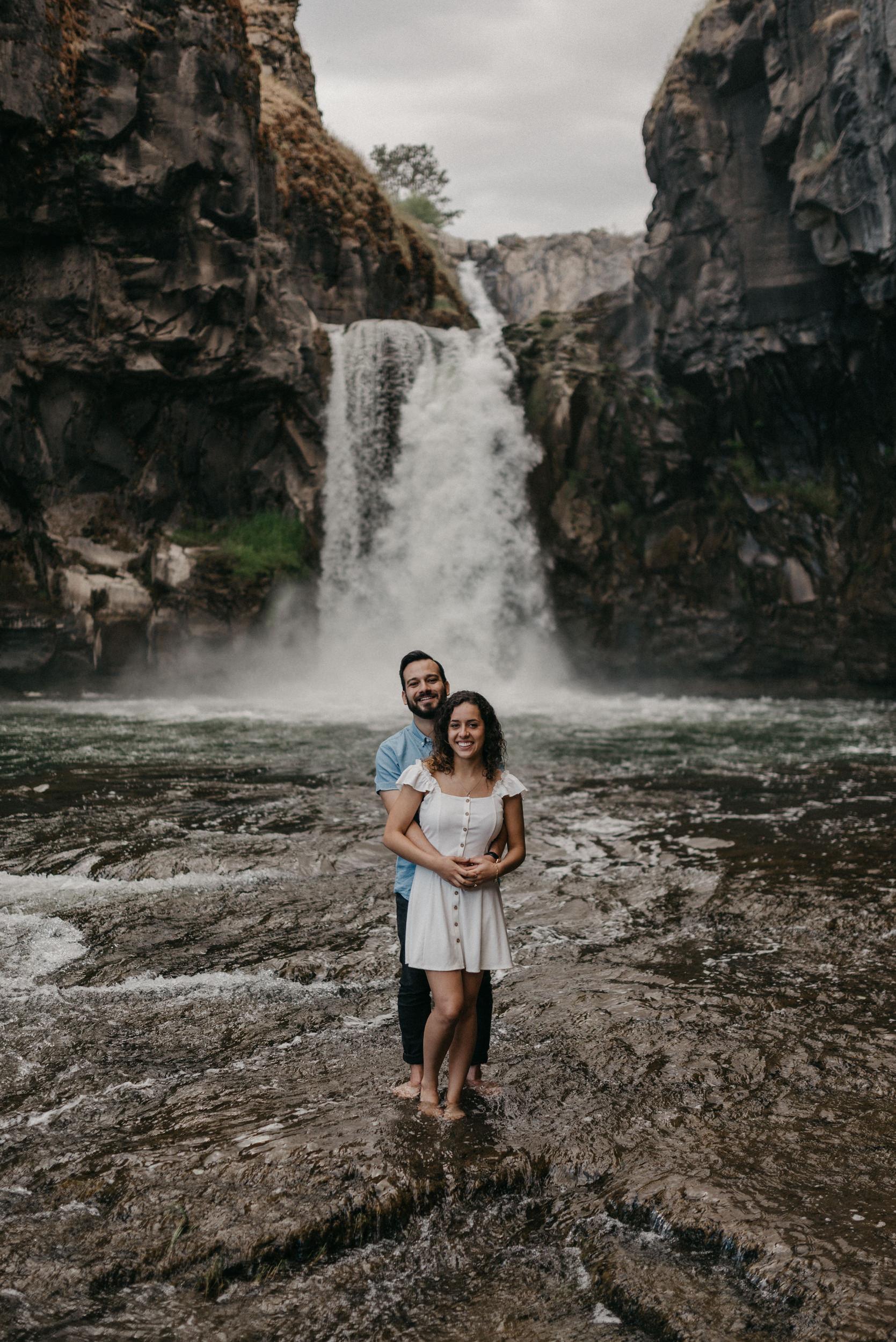 36-White-river-falls-state-park-engagement-5865.jpg