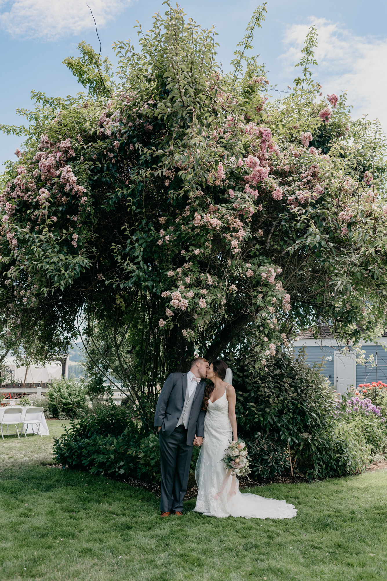 85-lake-oswego-wedding-portland-couple-rose-tree.jpg