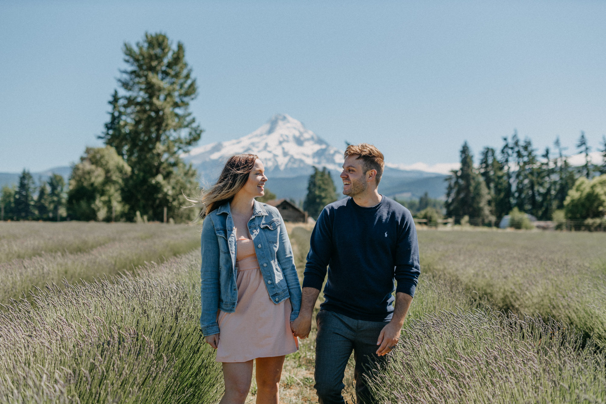 2-Mt-hood-lavender-farms-engagment-couple-summer-6927.jpg