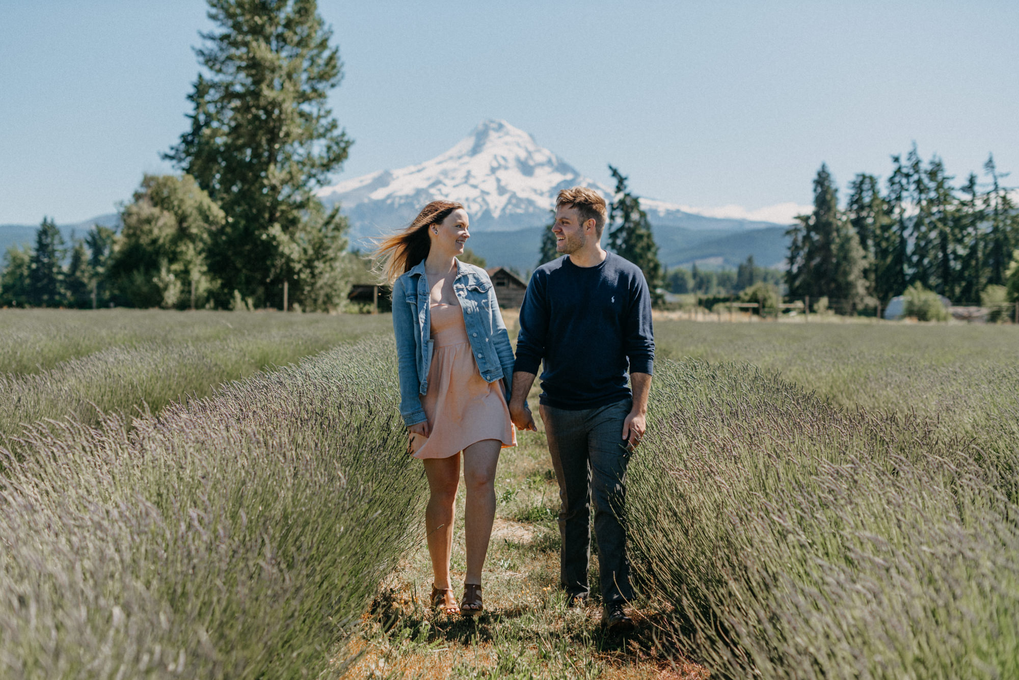 4-Mt-hood-lavender-farms-engagment-couple-summer-6945.jpg